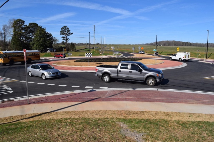 Photo of SR 20 at East Lake Road roundabout
