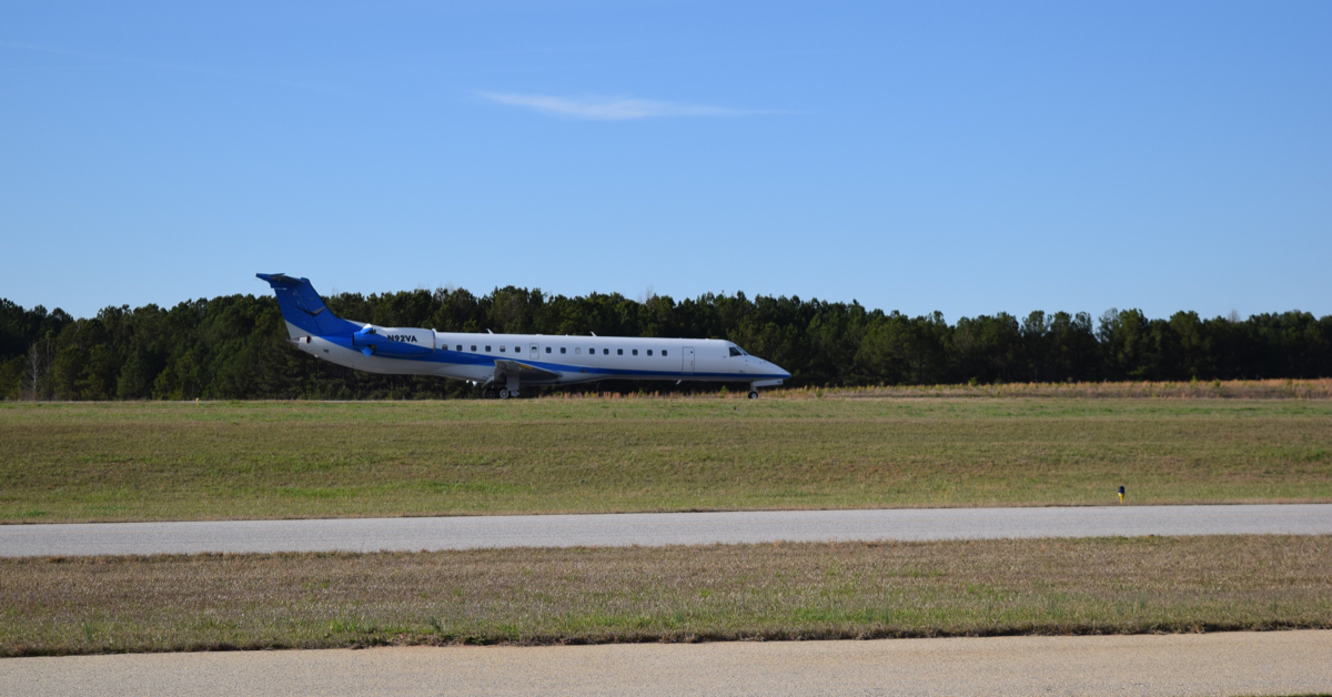 Photo of an airplane on the runway at Atlanta Speedway Airport (Henry County photo)
